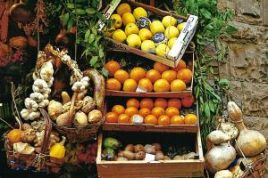 November - Market Stand