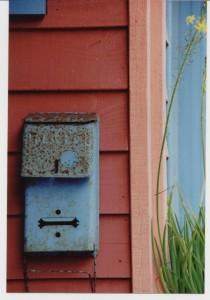 Blue-Mailbox                             Lg & Sm
